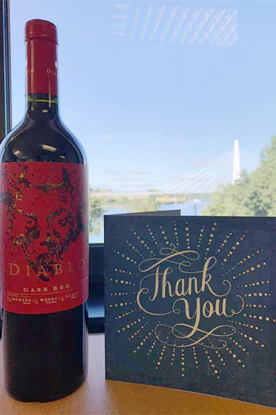 gift: thank you cards and wine